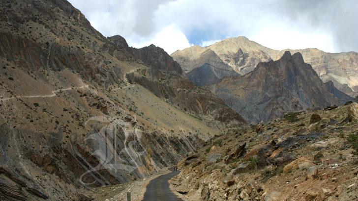 La route du Zanskar: une urgence!